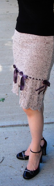Lacy_skirt_with_bows