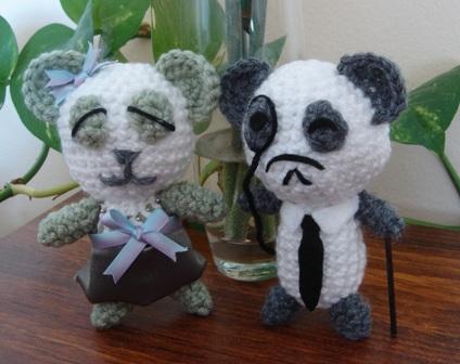 A_pair_of_panda_bears