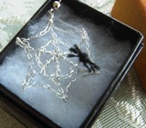 Crochet_spider_web_earrings_2