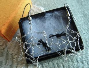 Crochet_spider_web_earrings_3