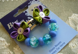 Kanzashi_hairclip_and_glass_beads