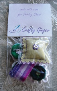 Packaged_tsunami_kanzashi_wristlet_back