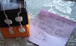 Earrings_with_note_1